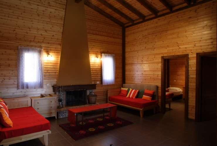 En suite living room